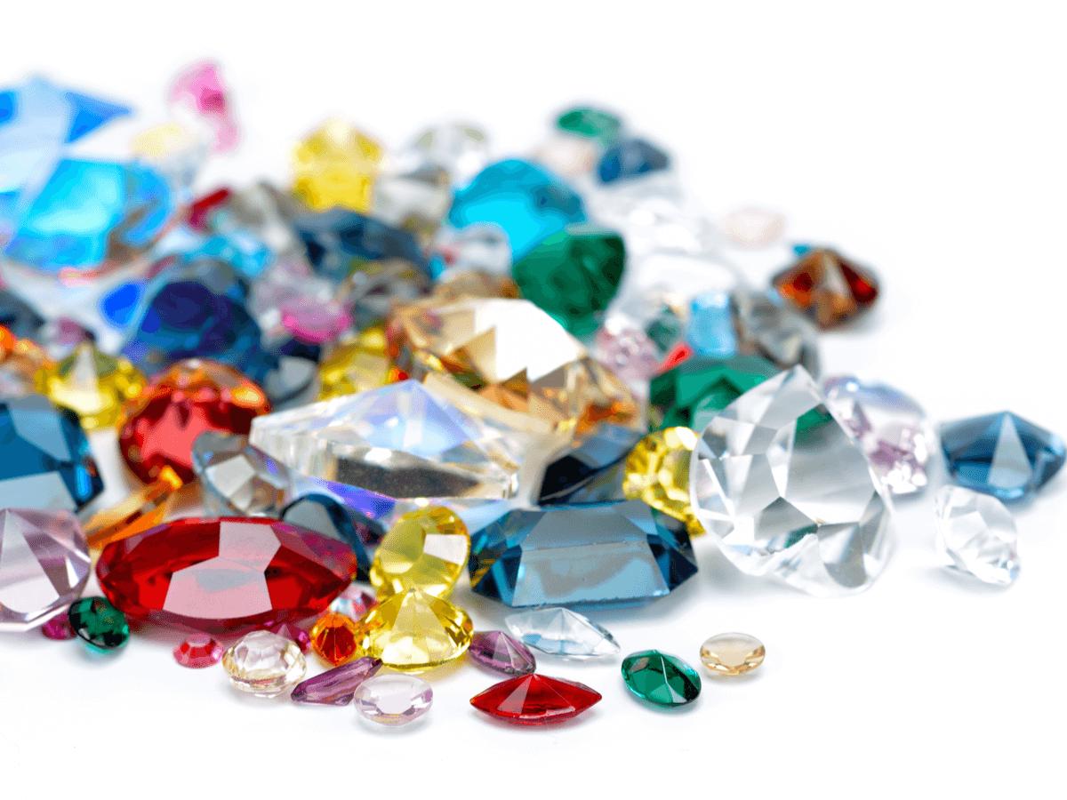 宝石の種類ごとの価値や特徴!買取の際にポイントとなる基準は?