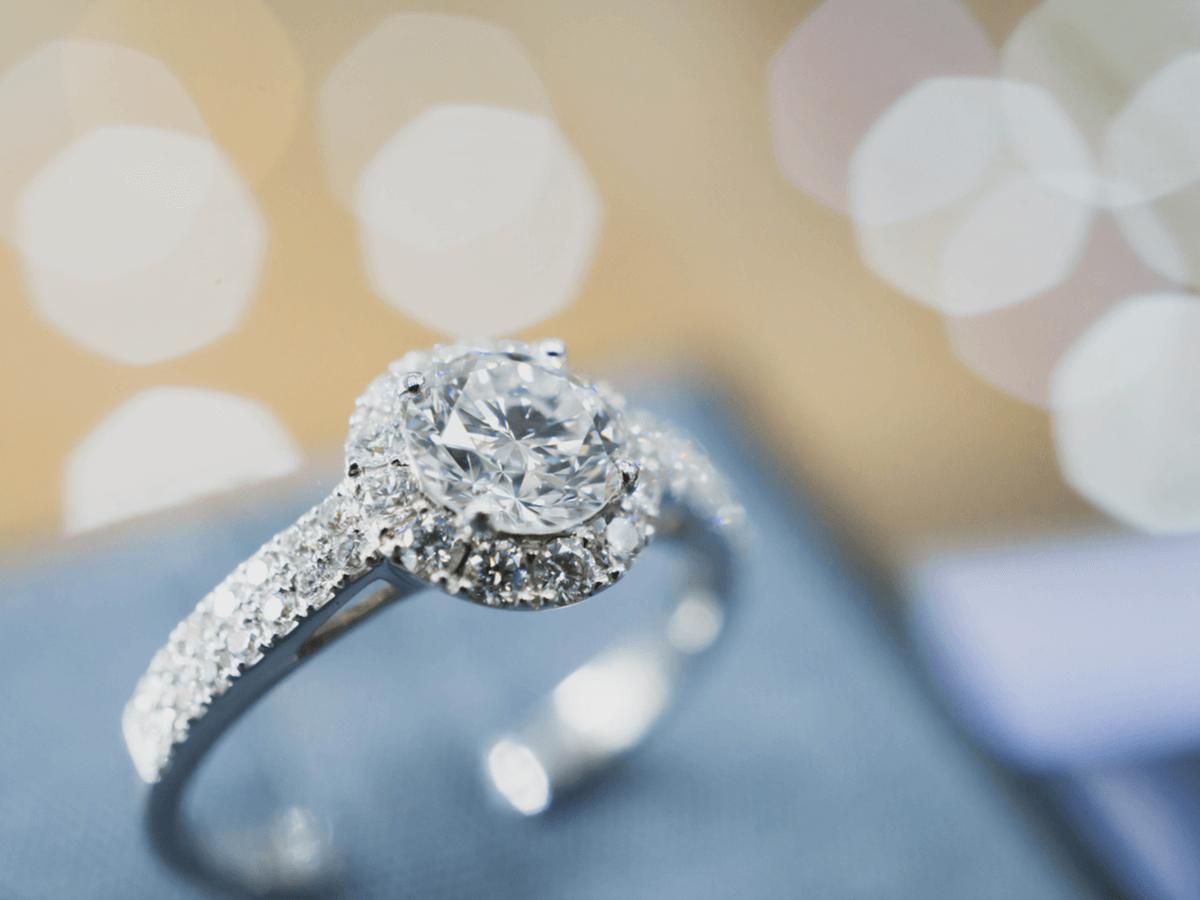 結婚指輪でも人気のホワイトゴールド そのメリットとデメリットとは ホワイトゴールドを長く使うための方法も知っておこう