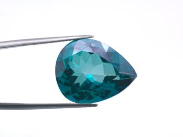 フォスフォフィライトは稀少性の高い宝石!その価格や特徴・石言葉について