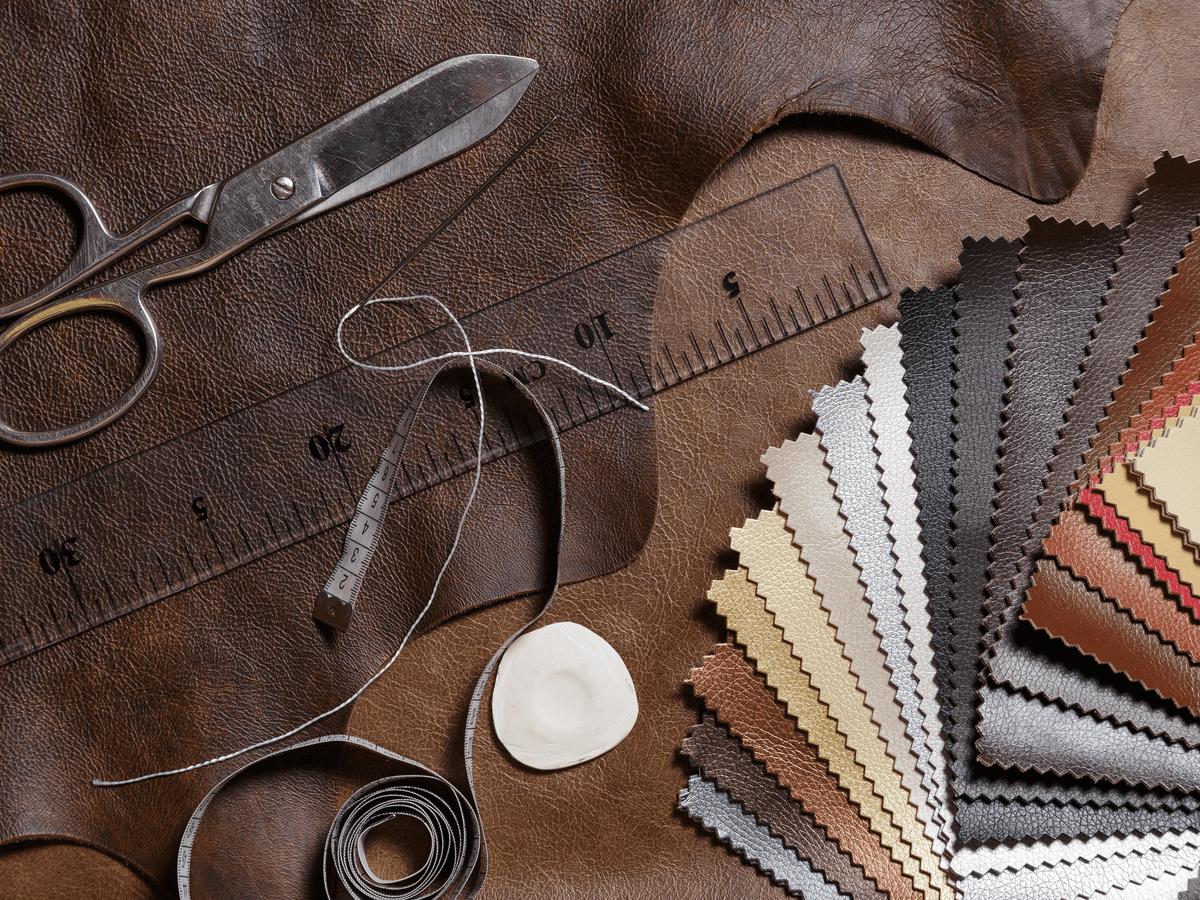 ブライドルレザーは丈夫でエイジングも楽しめる天然皮革!手入れ方法や取り扱う上での注意点