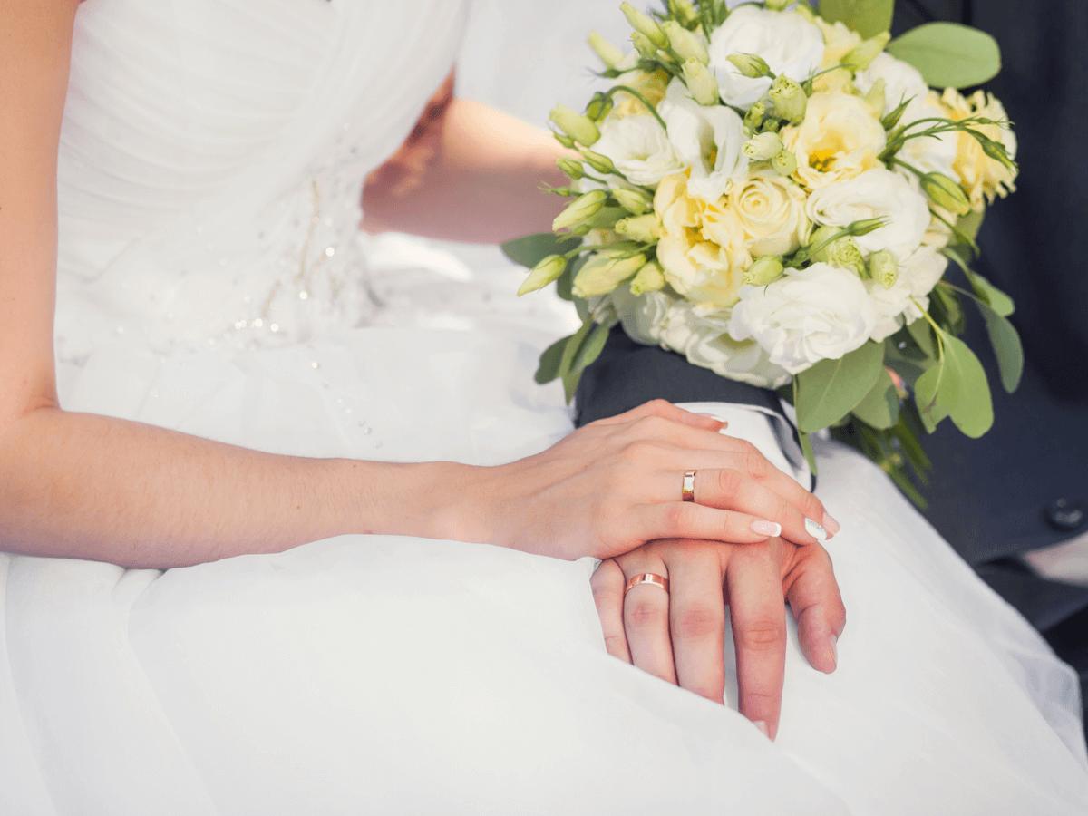ヴァンクリーフの婚約指輪の人気でモデル7選!気になる評判や価格相場・買取価格もご紹介