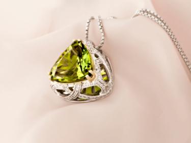 """宝石""""ペリドット""""は夜のダイヤモンドと言われている石!その価値や買取相場とは?"""